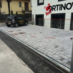 Pilomat chain at Arredamenti Cortinovis in Torre Boldone, Italy