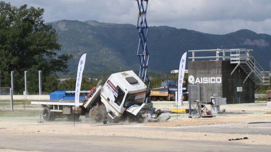crash test of Pilomat static bollards