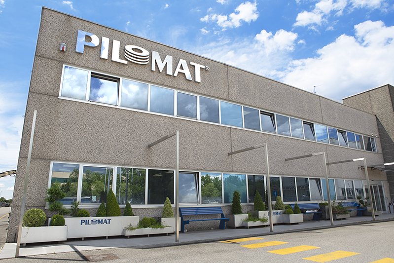 Immagine che mostra l'esterno dell'edificio dell'azienda Pilomat