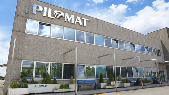 Picture showing the building of the Pilomat company